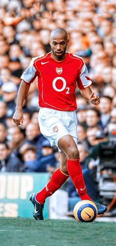Football Icon, Football Players, Aubameyang Arsenal, Thierry Henry, Mens Fitness, Legends, Idol, Soccer, Posters