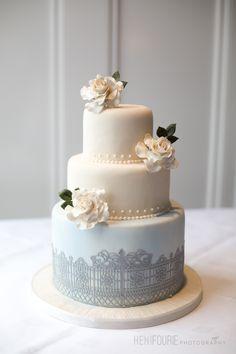Wedding Cake - Sugarpaste Flowers - Personalized Wedding Cakes