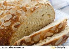 Vláčný velikonoční mazanec recept - TopRecepty.cz Banana Bread, Homemade, Baking, Food, Hana, Easter, Recipes, Bread Making, Home Made