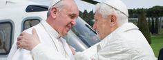 Der emeritierte Papst Benedikt XVI. und sein Nachfolger Franziskus im März