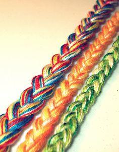 Awesome, easy friendship bracelets :)