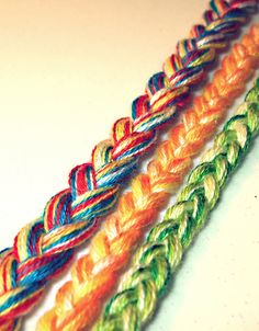 Awesome, easy friendship bracelets :)