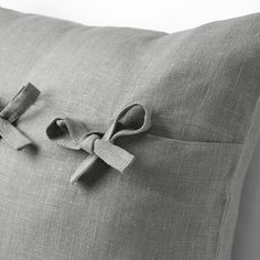 IKEA - AINA, Cushion cover, gray, The cushion cover is made of linen, a durable natural material with slightly irregular texture. The ties make the cover easy to remove and adds a decorative detail. Cushion Pads, Cushion Covers, Recycling Facility, La Face, Look Plus, Cover Gray, Natural Materials, Cushions, Romantic