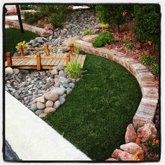 Rock landscaping for front yard outside creations for Landscaping rocks kitsap county