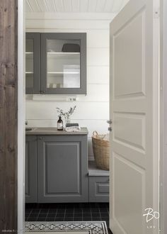 Other Rooms, Log Homes, Mudroom, Laundry Room, Cottage, Mirror, Bathroom, House, Furniture