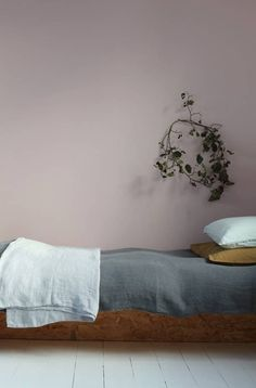 Best Paint Colors For Small Rooms Gray and Pink Bedroom