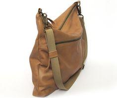 Nude leather, Classic messenger bag, shoulder bag, crossbody bag, everyday style, office bag, cycling bag, unisex