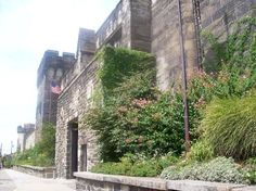 : Eastern State Penitentiary Historic Site was once the most famous and expensive prison in the world, but stands today in ruin, a haunting world of crumbling cellblocks and empty guard towers. Abandoned Prisons, Abandoned Buildings, Philadelphia Attractions, Philadelphia Hotels, Eastern State Penitentiary, Family Fun Day, Weekend Trips, Historical Sites, Places To See