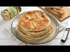 "Placinte cu ciuperci in tigaie [Stuffed bread/""pancake pies"" with mushroom filling] from Jamila Cuisine Apple Pie, Food To Make, Pancakes, Stuffed Mushrooms, Food And Drink, Pizza, Favorite Recipes, Snacks, Cooking"