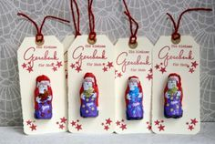 Creative ideas for crafting, scrapbooking, cooking and baking: gift tags . - Creative ideas for crafting, scrapbooking, cooking and baking: gift tags with chocolate - Christmas Favors, Christmas Gift Wrapping, Christmas Candy, Christmas Crafts, Christmas Ornaments, Christmas Ideas, Christmas Makes, Beautiful Christmas, Breakfast Party
