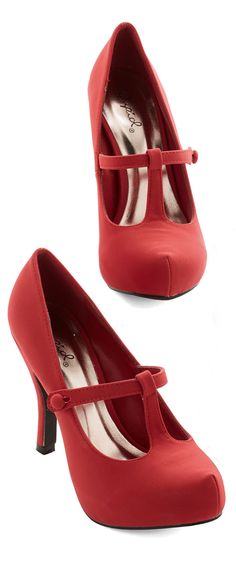 Red T-Strap Mary Jane Pumps ❤︎