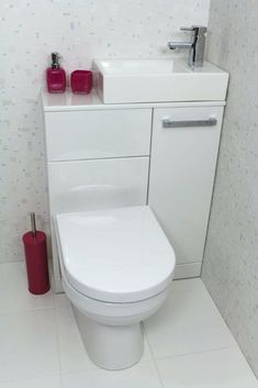 New Bathroom Shower Tub Space Saving Ideas Tiny Bathrooms, Tiny House Bathroom, Bathroom Toilets, Bathroom Small, Compact Bathroom, Bathroom Pink, Attic Bathroom, Master Bathroom, Bathroom Layout