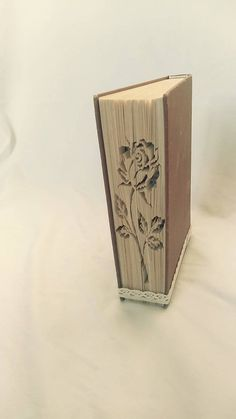 papierikovo / Ruža 3 - vyskladaná z knihy Book Folding, Bookends, Book Art, Home Decor, Decoration Home, Room Decor, Home Interior Design, Home Decoration, Interior Design