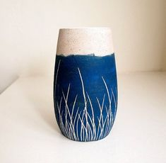 Ceramic Teal Blue Grass Pod Vase by lovebugkiko on Etsy cyanotype style decor Pottery Painting, Ceramic Painting, Pottery Vase, Ceramic Pottery, Sgraffito, Ceramic Decor, Ceramic Clay, Ceramic Vase, Ceramic Techniques