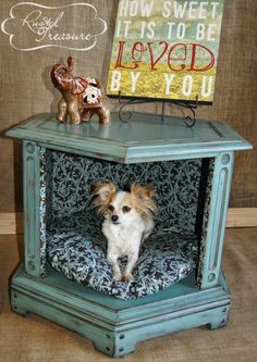 Rusted Treasure: DIY End Table Dog Beds (before and after) If we get a dog again, I will have to make one of these!