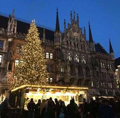 Munich has an unbelievable 24 Christmas Markets! It's one of the best cities in Germany to celebrate the holiday season. Christmas Markets all share commonalities. There are vendors selling their wares, and locals meeting over Nuremberg Christmas Market, Christmas Markets Germany, Holidays Germany, German Christmas Markets, German Markets, Visit Germany, Munich Germany, Germany Travel, Travel Europe