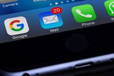 A new iPhone email security bug may let hackers steal private data (The Bizarre Secret) Apple will patch a newly discovered iPhone vulnerability that security researchers say hackers have already used to steal data from their victims' dev. Marketing Automation, Sms Marketing, Digital Marketing Trends, Email Marketing Campaign, Affiliate Marketing, Internet Marketing, Wifi, Smartphone, E Book