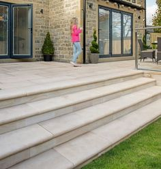 Trust Marshalls Fairstone sawn steps for your next garden walling, paving or patio project - Get inspiration and find your local stockist here Patio Steps, Garden Steps, Garden Paths, Outdoor Steps, Garden Art, Sandstone Cladding, Sandstone Paving, Unique Garden, Easy Garden