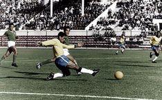 Garrincha cruza para Pelé - 1962 - Brasil