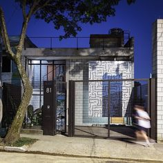Maracana House by Terra e Tuma Arquitetos http://www.homeadore.com/2013/02/08/maracana-house-terra-tuma-arquitetos/