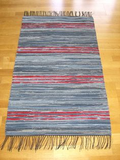 Vinter - Trasmattor av Jeans Cotton Rugs, Rag Rugs, Loom Weaving, Scandinavian Style, Pattern Design, Recycling, Textiles, Inspiration, Table Runners