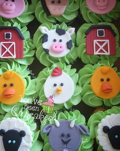 You've Been Cupcaked – Nutztiere Barnyard Cupcakes, Farm Animal Cupcakes, Farm Animal Party, Farm Animal Birthday, Barnyard Party, Animal Cakes, Farm Birthday, Farm Party, Third Birthday