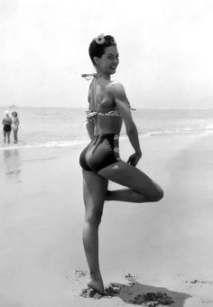 Cyd Charisse dancing in a bikini on Santa Monica beach 1945