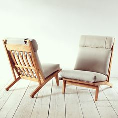 Face to Face | Hans J. Wegner's GE375 Lounge Chairs for Getama. #twosday