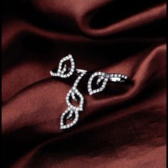 Jewelry - 2 finger leaf ring!!!