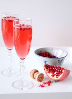 For our next Cupid-friendly trick, we're serving up a fizzy, buzzy, fruity cocktail! This delicately flavored Valentine's Day cocktail uses concentrated Pomegranate White Tea, adding extra dimension and flavor to your favorite sparkling wine. White tea has a fuller, sweeter, milder flavor than other teas because of it's short fermentation time. You could also use pomegranate juice if you can only find regular white tea.