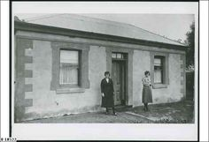 SLSA: B 18522 TITLEHome at Prospect     DESCRIPTIONHome of pioneer people on Lower North Road, Prospect     DATEca.1925