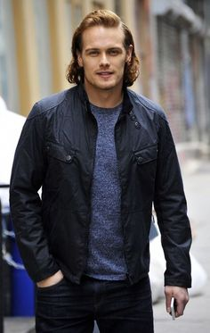 Sam Heughan Photos Photos - Actor Sam Heughan hits the town in New York City on April 8, 2016. - Sam Heughan Out And About In NYC