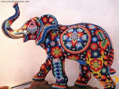 Elefante , like I'm ever going to do something this time consuming. This guy is a fabulously talented artist! Diy Popsicle Stick Crafts, Paper Mache Animals, Frida Art, Mannequin Art, Sculptures, Lion Sculpture, Elephant Art, Indian Elephant, Nativity Crafts