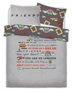 It's time to join Rachel, Ross and Friends at bedtime with our great double Friends Bedding Set. The fantastic design of this officially licensed. Friends Tv Quotes, Friends Moments, Friend Memes, Friends Tv Show Gifts, Friends Cake, Friends Merchandise Tv Show, Friend Logo, Friends Set, Friends Episodes