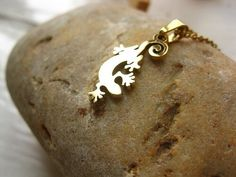 Lucky Gecko necklace ~ gold-plated, to guard a fun-loving friend, £18.22: This charming necklace is something rather special. Not only is the gecko a symbol of good luck, but this piece of jewellery is reminiscent of hot sunny days in a warm climate where geckos flourish: It has a definite feel-good factor, perhaps reminding us of a great time had on holiday in Mediterranean or Tropical countries. Friends Come And Go, Friends In Love, Meaningful Jewelry, Meaningful Gifts, Good Luck Gifts, Passion For Life, Geckos, Fun Loving, Flourish