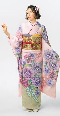 38回目の今回のテーマは「粋」。きものは、日本人の美しさを際立たせ、まさにその粋を表現するのにいちばん適しているのではないでしょうか。きものの魅力を、見て、触れて、感じてください。