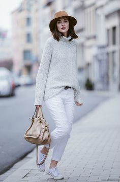 Polienne | a personal style diary: WHITE BOYFRIEND JEANS