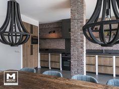 Keuken betonstuc en steense wand! Home Remodeling, Chandelier, Loft, Ceiling Lights, House, Inspireren, Home Decor, Kitchens, Cooking