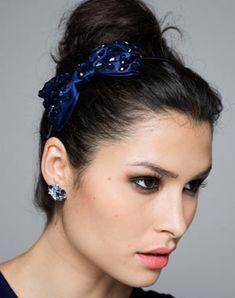 Les différents types d accessoires cheveux. Accessoires CheveuxCheveux CoiffureSerre  TêteCoiffeChignonVoitureAstucesModèles De CheveuxCoiffure 684a57d1443