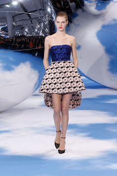 Review Fashion, Fashion News, High Fashion, Fashion Show, Fashion Tape, London Fashion Weeks, Christian Dior, Runway Fashion, Womens Fashion