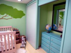 Love the idea of painting the inside of the closet a different color!