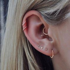 Stunning ✨rose gold✨work by from 🌹 . Cleaned & healed with Piercing Aftercare 🍯 Stunning ✨rose gold✨work by from 🌹 . Cleaned & healed with Piercing Aftercare 🍯 Ear Peircings, Cute Ear Piercings, Ear Piercings Cartilage, Multiple Ear Piercings, Cartilage Hoop, Piercings For Small Ears, Piercing For Migraine Relief, Ear Piercing Names, Body Modifications