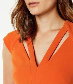 Karen Millen, Cut-out Pencil Dress Orange - Herren- und Damenmode - Kleidung Neck Designs For Suits, Neckline Designs, Dress Neck Designs, Collar Designs, Designs For Dresses, Kurta Designs, Blouse Designs, Black Pencil Dress, Pencil Dresses