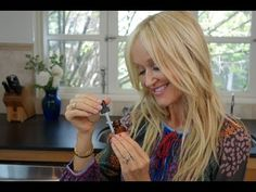 This marvelous DIY nail strengthening & cuticle oil does double duty for your nails. The specific essential oils that I have chosen will both strengthen weak/brittle […] Diy Beauty, Beauty Hacks, Cuticle Oil, Cuticle Care, Coconut Milk Shampoo, Types Of Manicures, Body Hacks, Nail Strengthening, Natural Looks