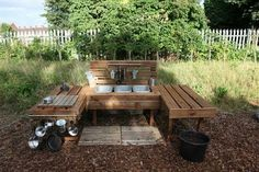 Mud kitchen for the kids made from pallets