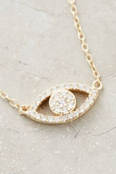 Shimmered Eye Necklace | Pinned by topista.com