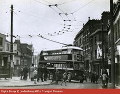 First day of the trolleybus, Woolwich. 1935 History Pics, Local History, Vintage London, Old London, Old Photos, Vintage Photos, London Architecture, London History, London Bus