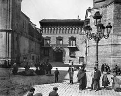 Zaragoza 1889, plaza San Felipe Valencia, Louvre, Building, Travel, Plaza, Antique Photos, Towers, Cities, Fotografia