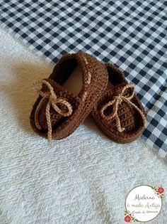 Crochet Booties Pattern, Crochet Baby Boots, Baby Shoes Pattern, Knit Baby Booties, Crochet Baby Clothes, Crochet For Boys, Crochet Shoes, Baby Patterns, Baby Knitting