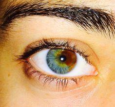 Beautiful Eyes Color, Stunning Eyes, Pretty Eyes, Cool Eyes, Tumblr Eyebrows, Black Eyeshadow Tutorial, Heterochromia Eyes, Half Elf, Aesthetic Eyes